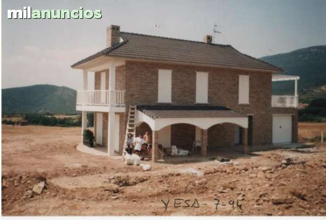 COMPRO CASA DE PUEBLO.  - foto 1