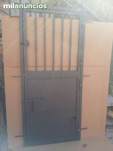 Puerta Hierro Boxes Caballos Nueva