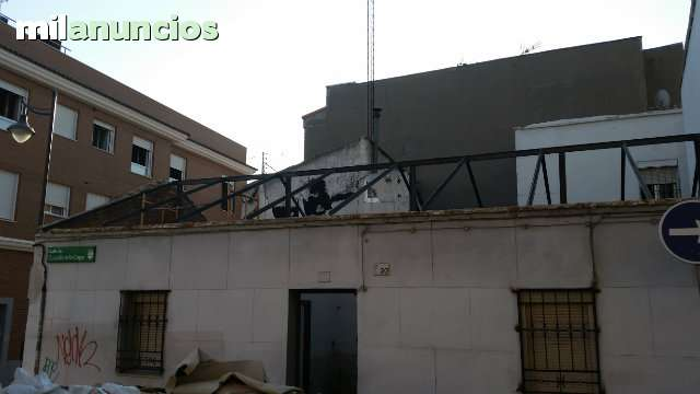CUADRILLA  DESESCOMBRADO DE PISO - foto 2