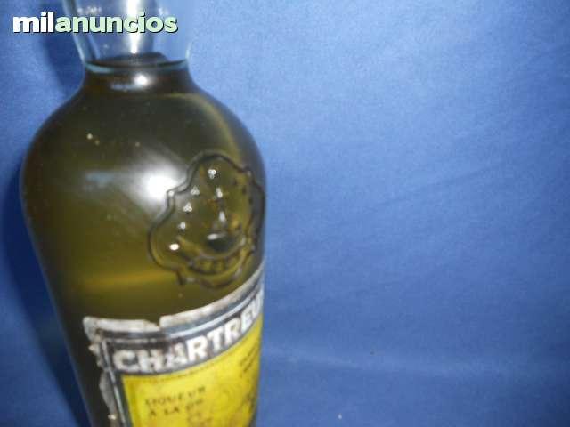 Coñac Brandy Calisay Chartreuse Vino