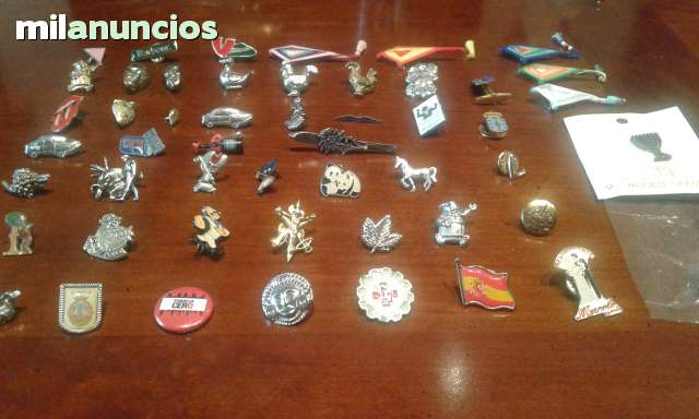 Coleccion De Pins E Insignias