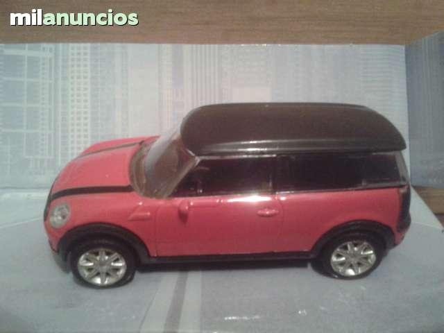 Coche Mini Clubman Rojo Esc 1:43