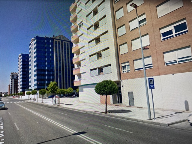 LOCALES EN LA ROSALEDA - foto 2