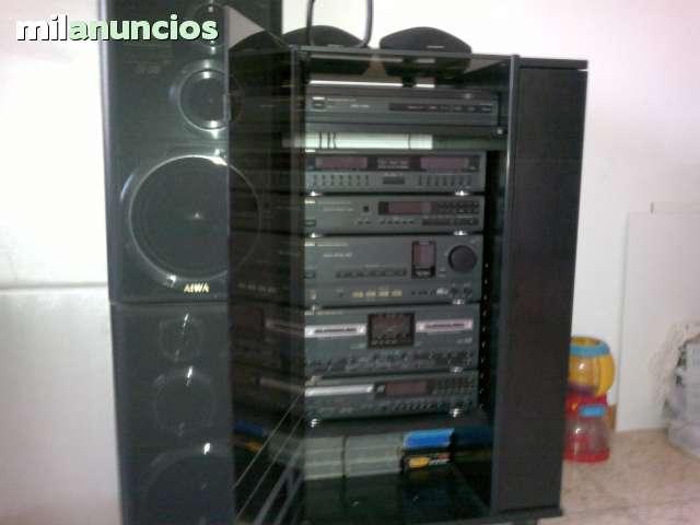 BUSCO COMPACT DISC PLAYER AIWA DX D9