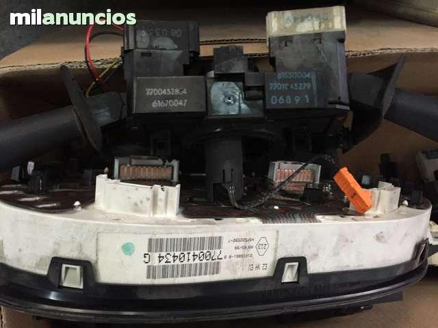 MANDO DE LUCES RENAULT 7701045279