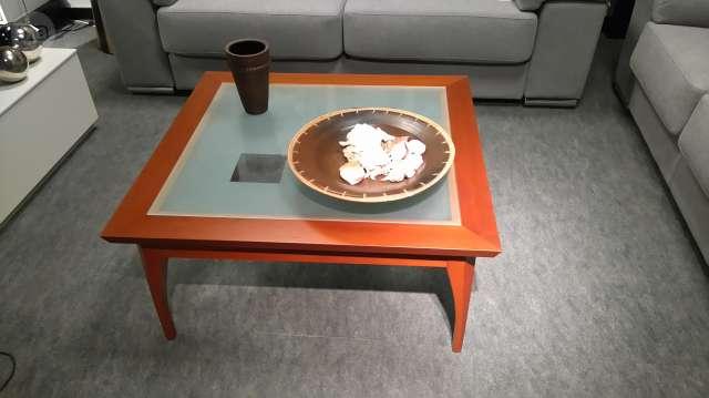 Mesa centro color cerezo. segunda mano