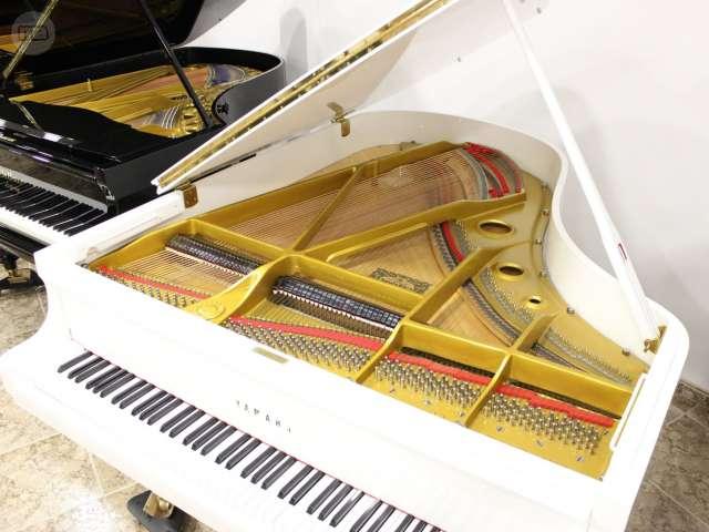 PIANO YAMAHA C3 BLANCO,  RENOVADO.  - foto 3
