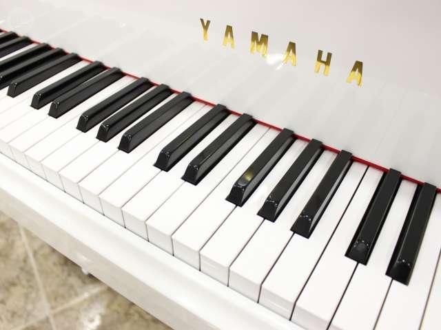 PIANO YAMAHA C3 BLANCO,  RENOVADO.  - foto 7