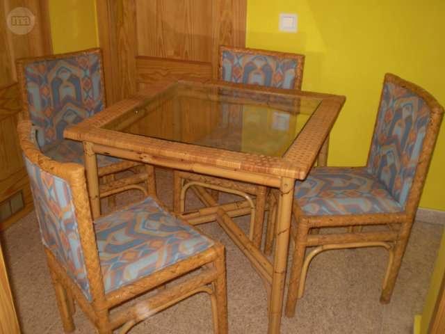 MIL ANUNCIOS.COM - Comedor Mesa y 4 sillas de mimbre