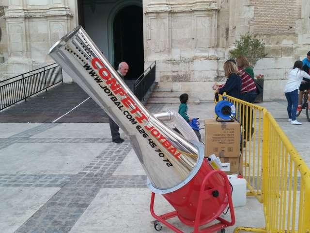 ALQUILER DE MAQUINAS DE CONFETI  PRO - foto 7