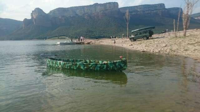 CANOA EN FIBRA DE VIDRIO CAZA Y PESCA - foto 2