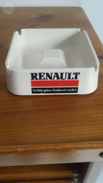 Cenicero Renault De Cerámica