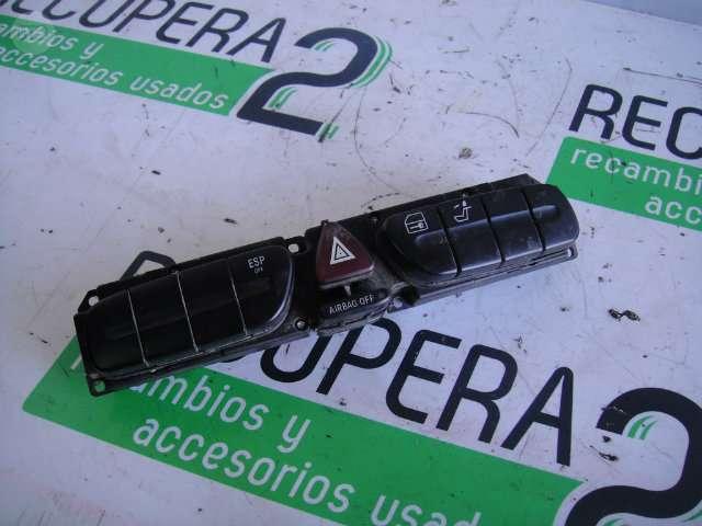 VENDO BOTONERA CENTRAL MERCEDES W203