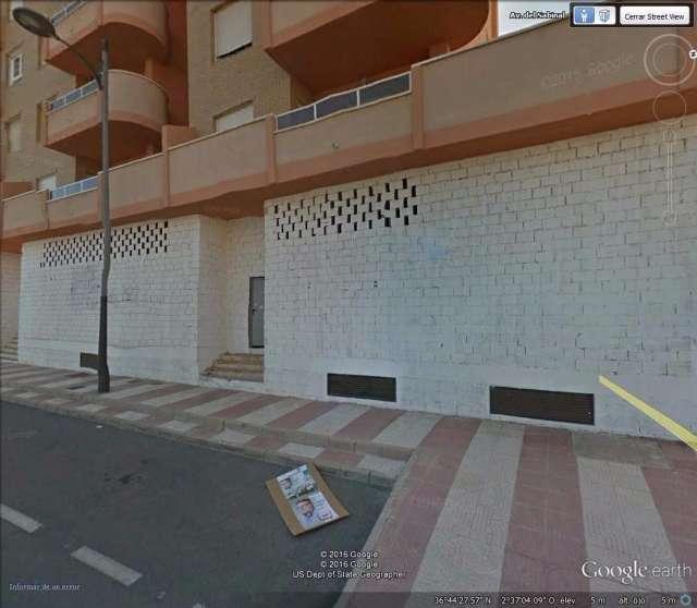 LOCAL DE 300 METROS CON SALIDA DE HUMOS - foto 4