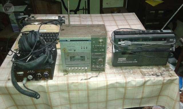 Radios,Emisora Y Maquina De Escribir