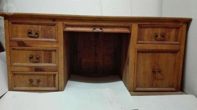 MIL ANUNCIOS.COM - Mesa/escritorio rustica de madera
