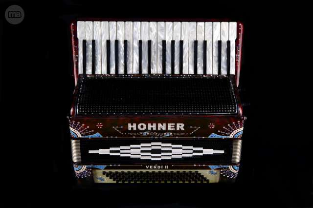 ACORDEON HOHNER PROFESIONAL MUSETTE 80