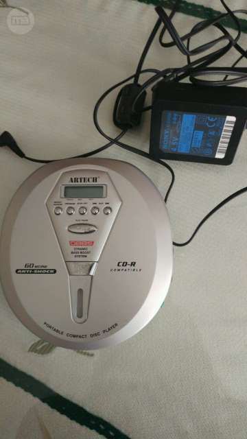 PORTABLE COMPACT DISC PLAYER.  - foto 1