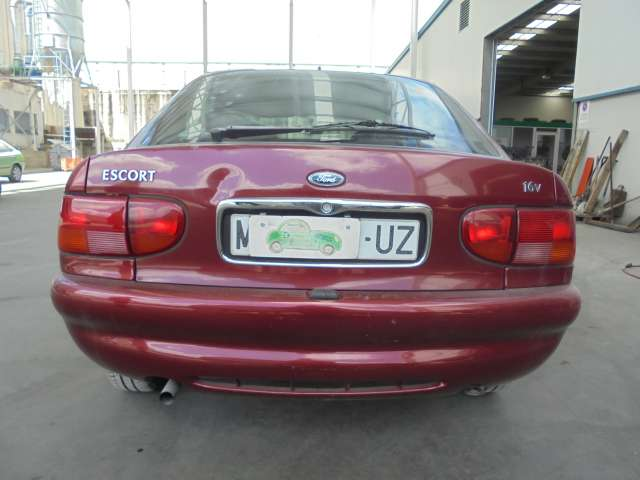FORD ESCORT BERLINA TURN BRAVO LIM. 97