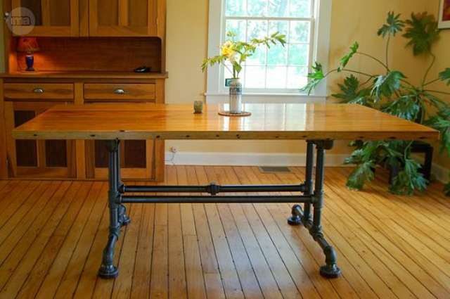Mesa comedor artesanal. Segunda mano