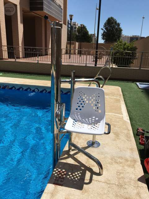 Grua piscina segunda mano transportes de paneles de madera - Limpiafondos piscina segunda mano ...