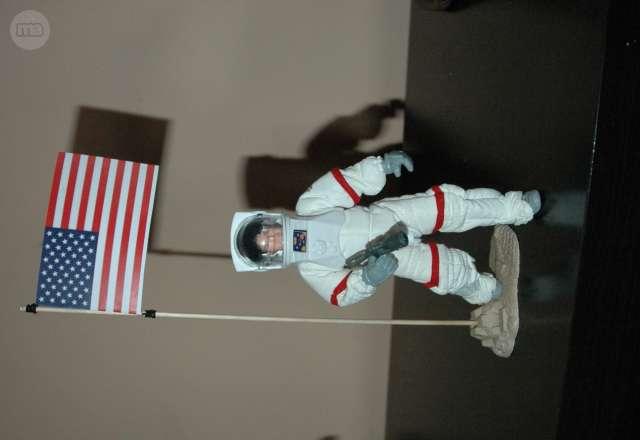 MADELMAN MDE ASTRONAUTA NASA - foto 1