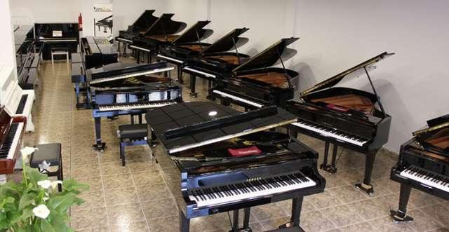 PIANO COLIN YAMAHA 150CM,  COMO NUEVO.  - foto 7
