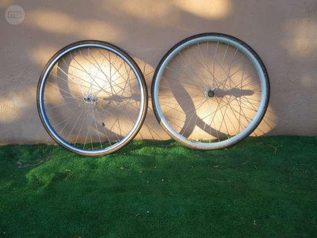 2 Ruedas De Bicicleta