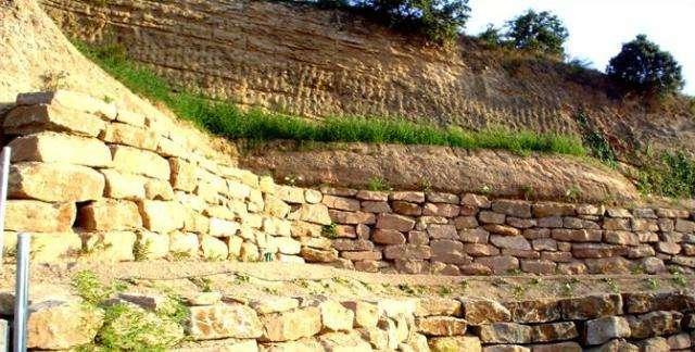 MUROS DE PIEDRA.  EXCAVACIONES CATALUNYA - foto 2