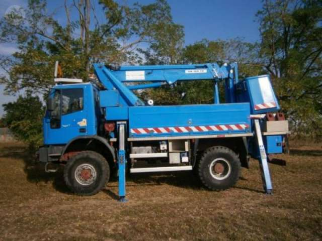 CAMION CESTA 4X4 - IVECO 135 . 23 BC