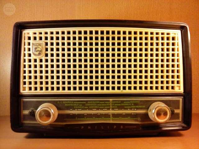 RADIO PHILIPS BE 262 U VOLTÍMET. CETRA