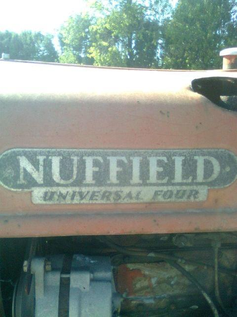 TRACTOR - NUFFIELD