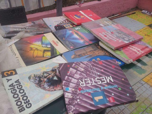 LIBROS DE TEXTO DE LA ESO Y OTROS - foto 2
