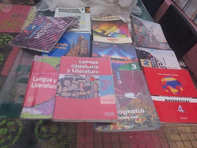 LIBROS DE TEXTO DE LA ESO Y OTROS - foto 1