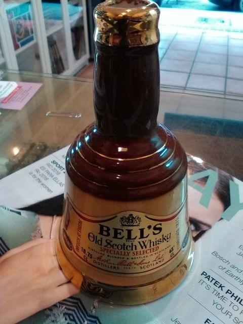 Precioso Decantador Whisky Bells