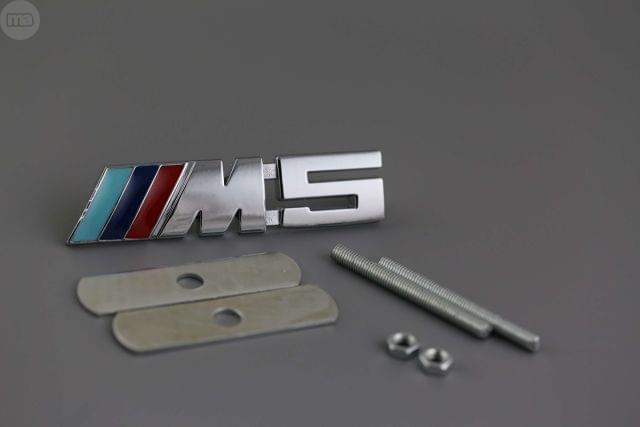 EMBLEMA BMW M5 PLATA PARRILLA