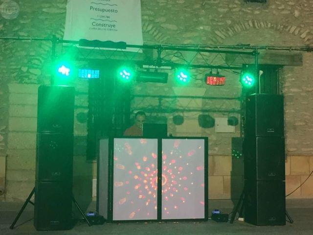 DJ DISCOMOVIL - KARAOKE -CABINA EN 3DDD - foto 4