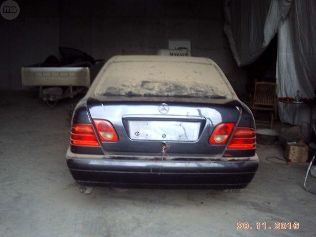 MERCEDES E 300 W210 025 TD 98