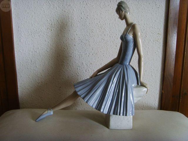 Figura porcelana lladr segunda mano - Milanuncios muebles valladolid ...