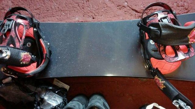 TABLA SNOW CON FIJACIONES Y SOLO 4 USOS - foto 1