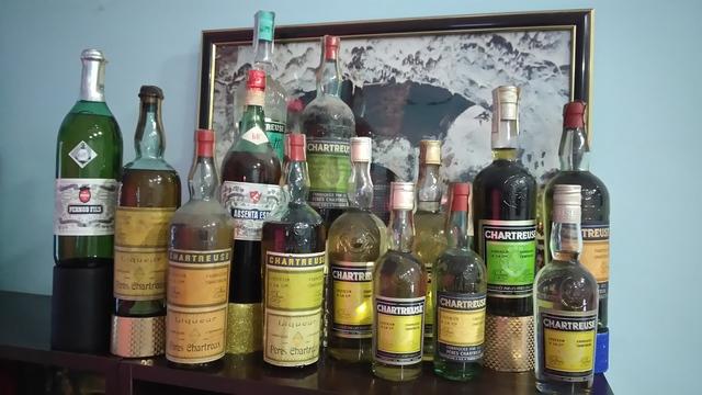 Vino Y Licor Chartreuse :627532621 Llame