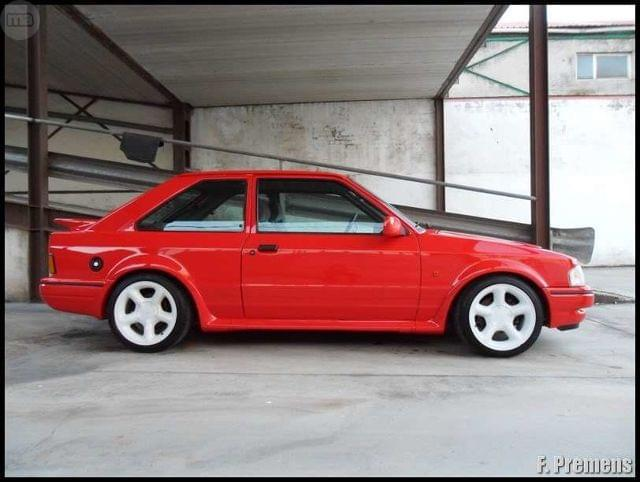 FORD - ESCORT RS TURBO