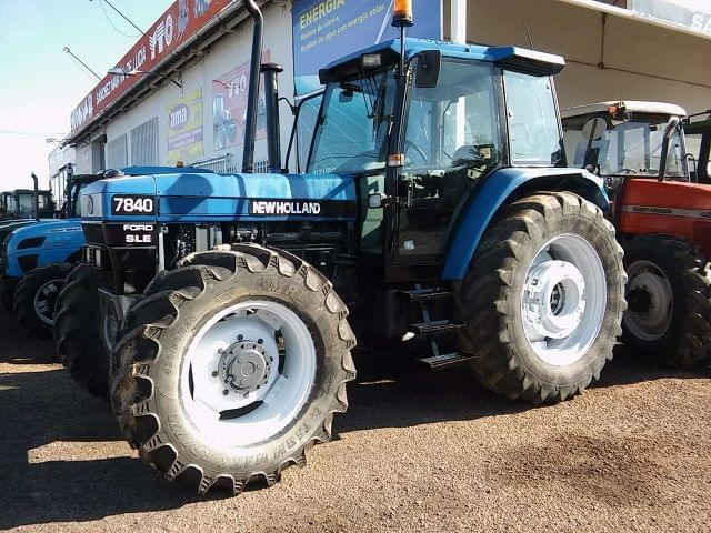 NEW HOLLAND - 7840DT