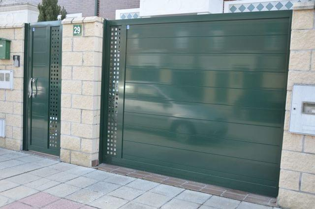Puertas Y Vallas De Aluminio Lacado