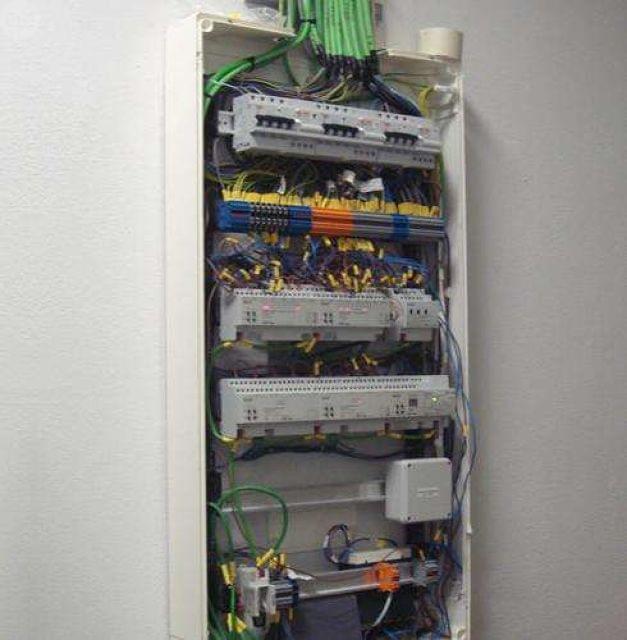 INSTALACIONES ELECTRICAS Y REPARACIONES - foto 1