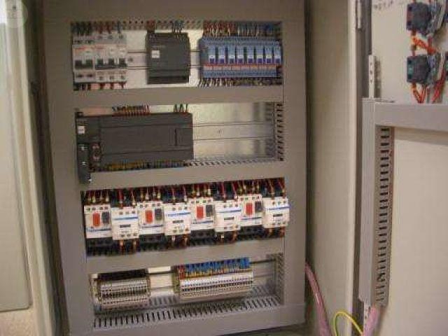 INSTALACIONES ELECTRICAS Y REPARACIONES - foto 3