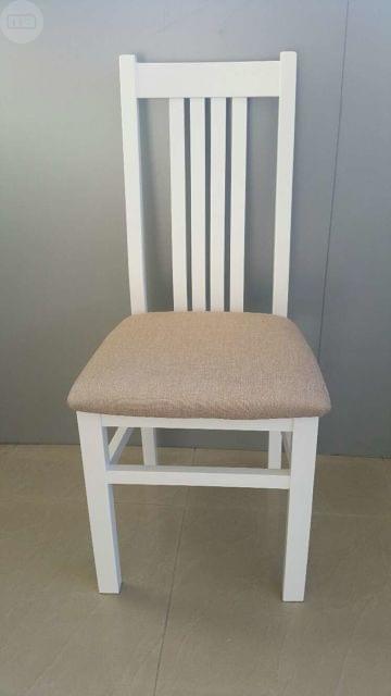 sillas de madera lacadas en blanco