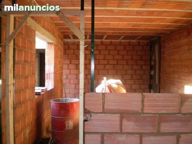 ALBAÑIL       CONSTRUCCIONES  Y REFORMAS - foto 7