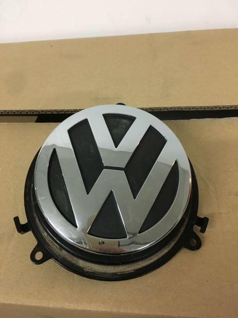 TIRADOR EMBLEMA VW GOLF V PASSAT 3C . . .