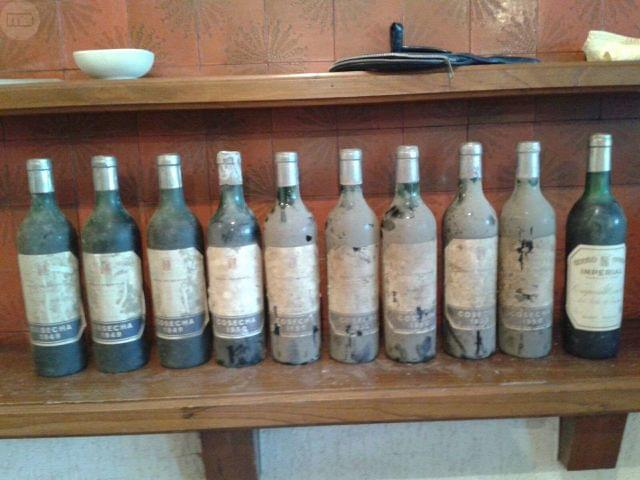 Licor Chartreuse Y Vinos De Rioja Viejos